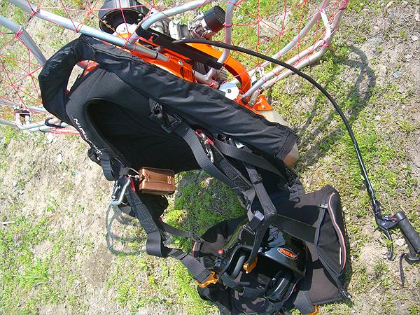 モーターパラグライダー装備