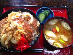秋田「お食事処としま」のカツ丼の秘密