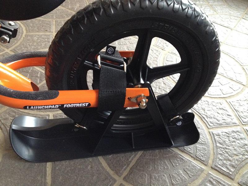 ストライダーのスキーアタッチメント後輪装